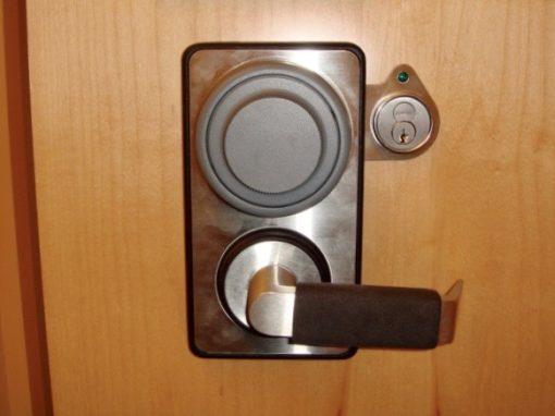 safe locksmith, vault locksmith, new safe lock